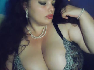 Picture of the sexy profile of FoxyBbw, for a very hot webcam live show !