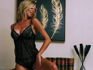 Webcam de FrenchBlondeKisses