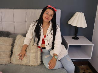 Webcam model AlessiaPickman from XLoveCam