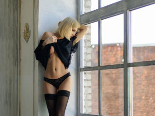 Webcam model ClassyJina from XLoveCam