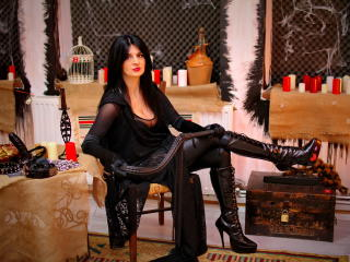 Webcam model DommeMelissa from XLoveCam