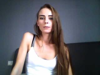 Webcam model JillQLove from XLoveCam