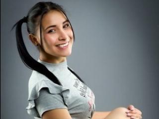 Webcam model KayleeDoux from XLoveCam