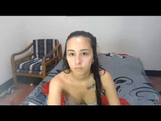Webcam model LauraCum from XLoveCam