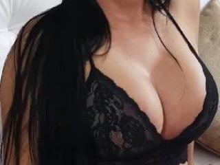 Webcam model LovelyVenus from XLoveCam