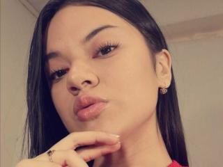 Webcam model Lunafirelatin from XLoveCam