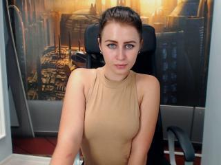 Webcam model MargotBerry from XLoveCam