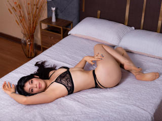 Webcam model RebecaWill from XLoveCam