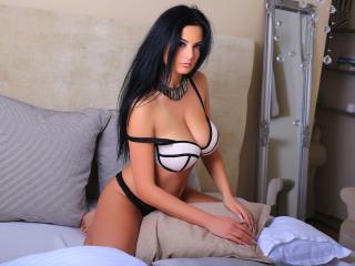 Webcam model SexyJessyca69 from XLoveCam
