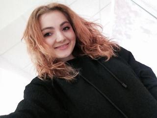 Webcam model SophiaBunny from XLoveCam