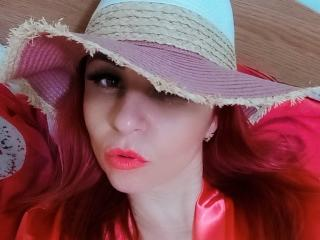 Webcam model XQuenny from XLoveCam