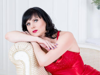 EvelinaX - online chat sexy with this average body Sexy mother