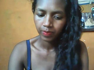 Webcam model CandyLaurie from XLoveCam