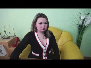 Webcam model DayanaBay from XLoveCam