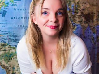 Webcam model ReganLovely from XLoveCam