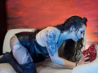 Webcam model BlueHarlot from XLoveCam