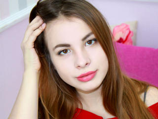 Webcam model JennaKiara from XLoveCam