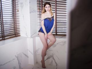 LoriFlower - Chat cam sexy with a lanky Young lady